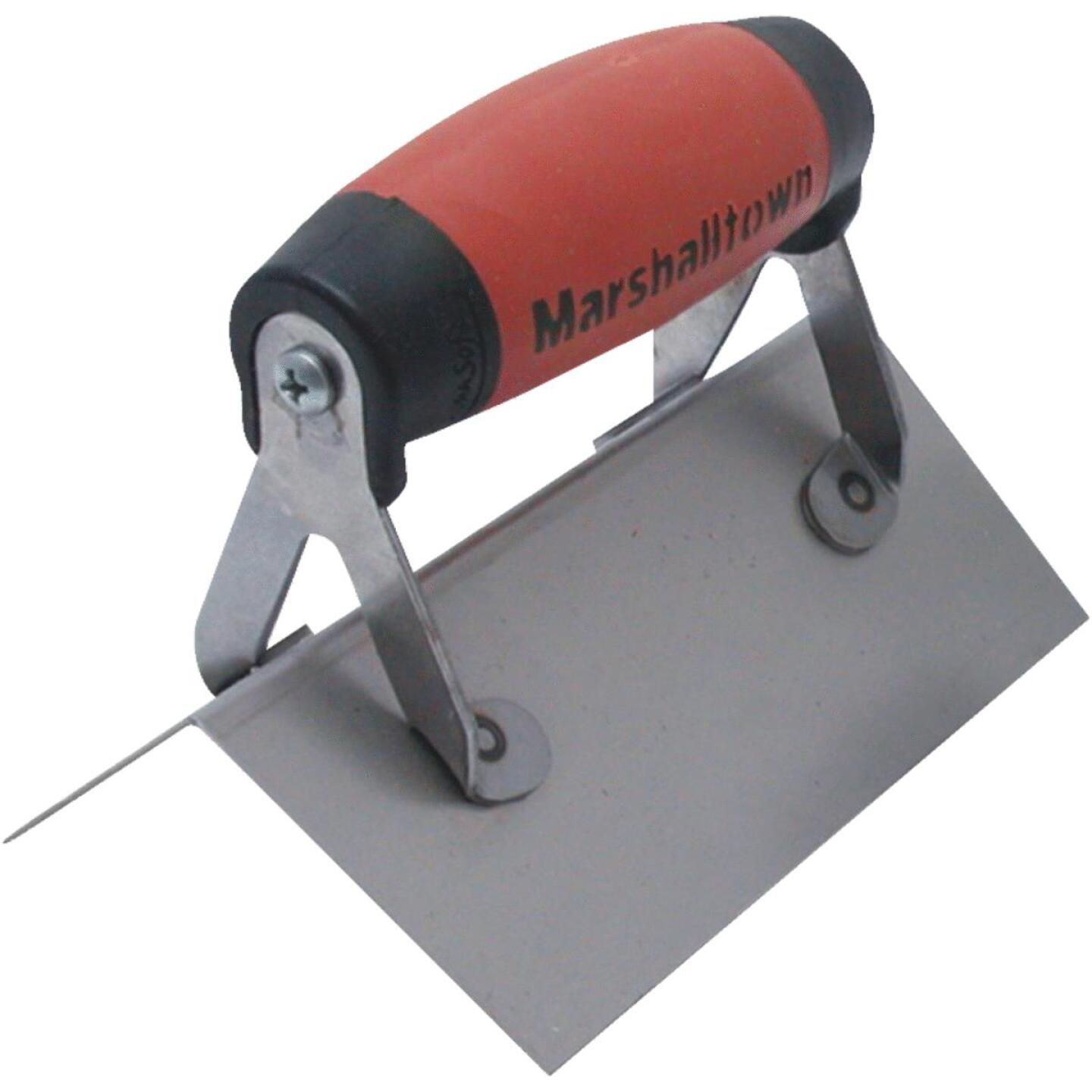 Marshalltown 2-1/2 In. x 6 In. Corner Finishing Trowel  with DuraSoft Handle Image 1